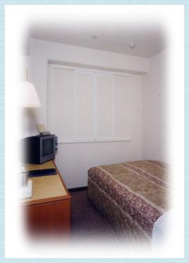 シングルルーム(81室) 12平方メートル